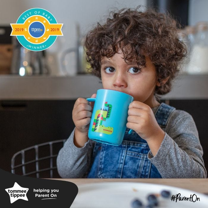 boy drinking from easiflow 360 cup