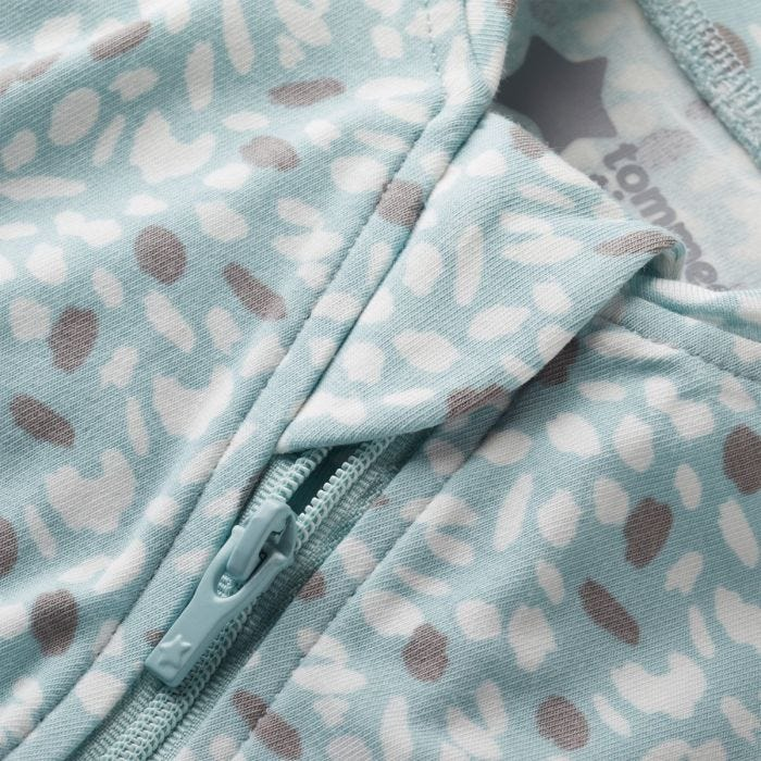 The Original Grobag Earth Green Easy Swaddle zip close up