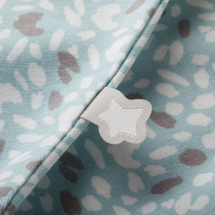 Tommee Tippee Earth Green Easy Swaddle Close Up