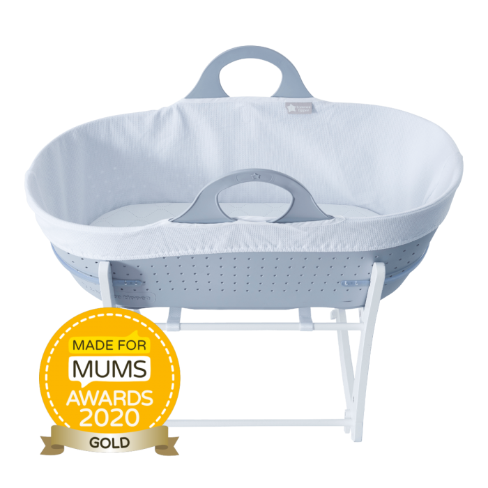 Grey sleepee moses basket with award roundal