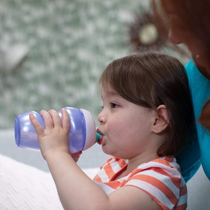 toddler-girl-drinking-from-active-sports-bottle