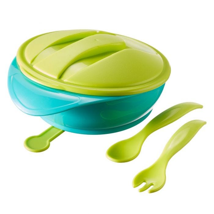 Suction bowl with travel lid and cutlery