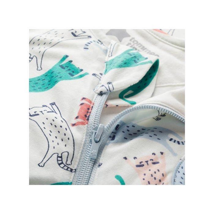 pet story sleepbag fabric close up